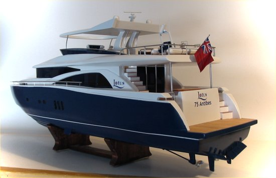 Johnson 75' yacht model with hardtop